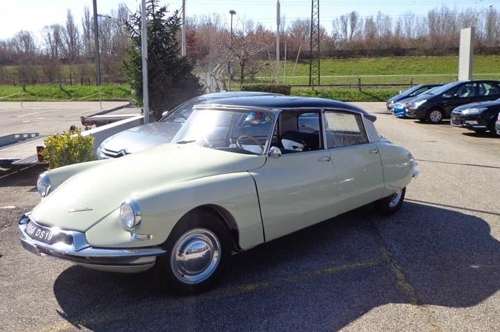 DS 19 1956 NUMÉRO 000425 USA